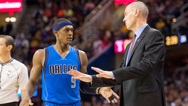 Kenny Smith: Rajon Rondo is wrong in feud with coach Rick Carlisle -image