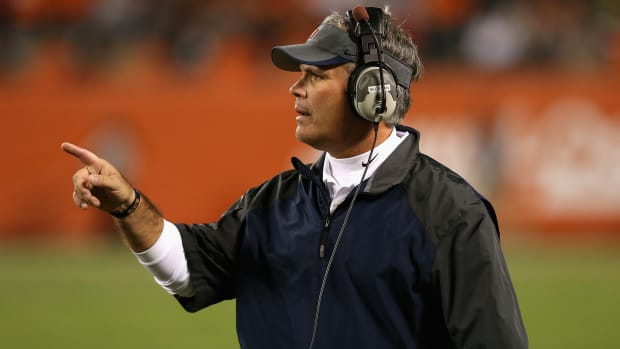 Illinois fires head coach Tim Beckman with cause after review IMAGE