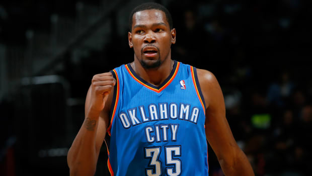 kevin-durant-thunder-cleared-training-camp.jpg