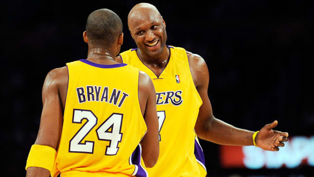lamar-odom-hospital-nba-players-teammates-react-twitter.jpg