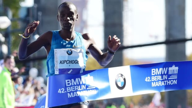 eliud-kipchoge-wins-2015-berlin-marathon.jpg