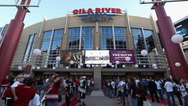 Arizona Coyotes resolve arena battle with city, to stay in Glendale IMAGE