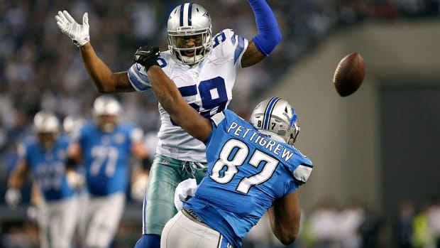 nfl-pass-interference-cowboys-lions