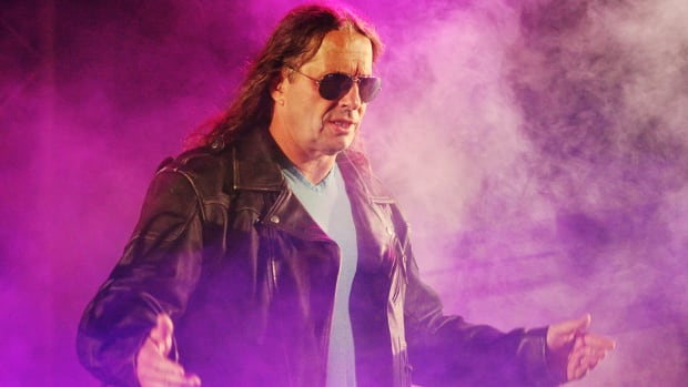 Bret Hart delivers 'State of the WWE'