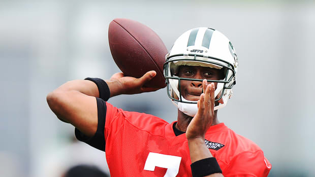 Jets QB Geno Smith out 6–10 weeks after locker room fight--IMAGE
