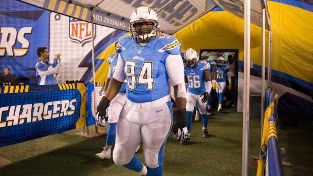 san-diego-chargers-corey-liuget-extension-contract-tom-hauck.jpg