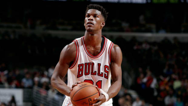 Jimmy Butler donates $10k to school after student makes 3-pointer