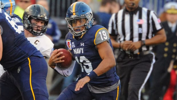 keenan-reynolds-navy-military-bowl-preview-pitt.jpg