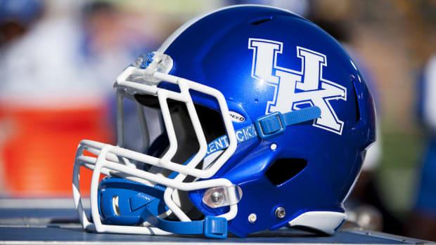 kentucky-football-helmet.jpg