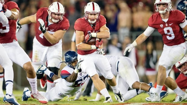 christian-mccaffrey-stanford-notre-dame-betting-odds-line-point-spread.jpg
