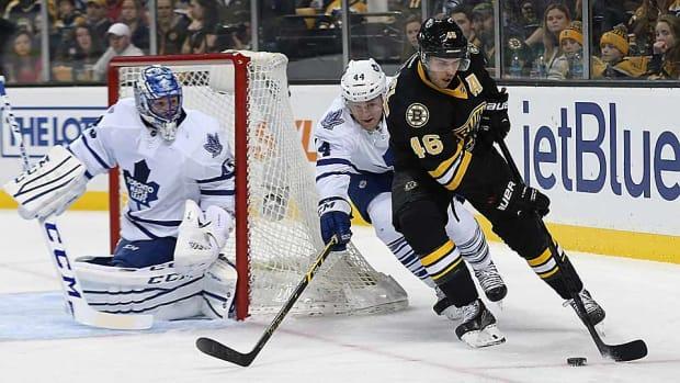 Jonathan-Bernier-Bruins.jpg