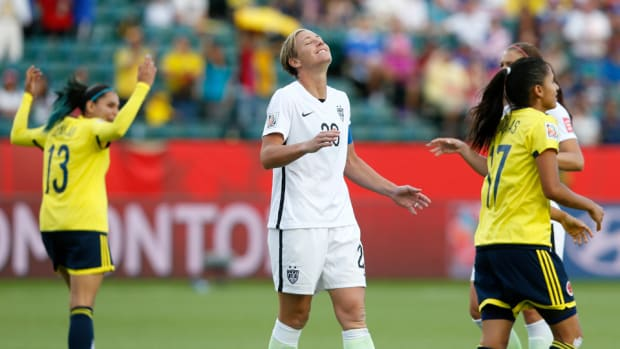 wambach-miss-pk-colombia-usa.jpg