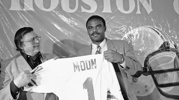 Warren Moon: Finally being accepted by the NFL was my greatest career moment - Image