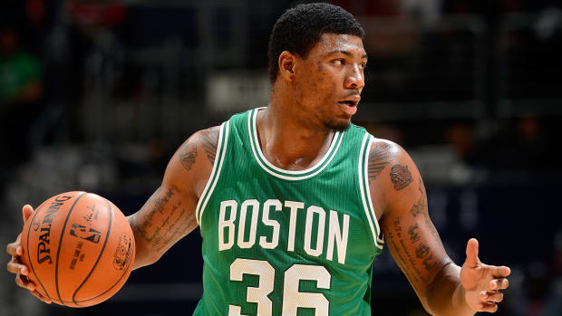 Marcus Smart leaves Summer League game with hand injury IMAGE