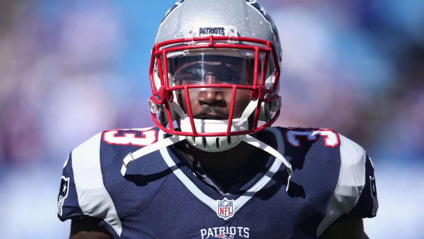 Patriots RB Dion Lewis (ACL) out for season IMAGE