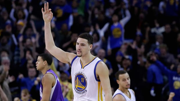 Klay Thompson sets NBA record with 37 points in a quarter