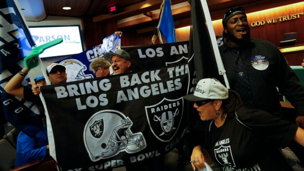 nfl-los-angeles-relocation-fans.jpg