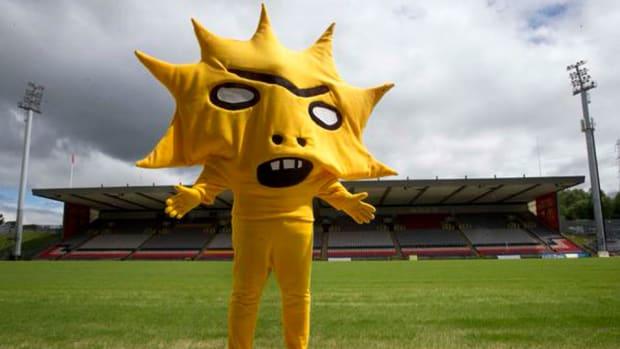 partick-thistle-new-mascot.jpg