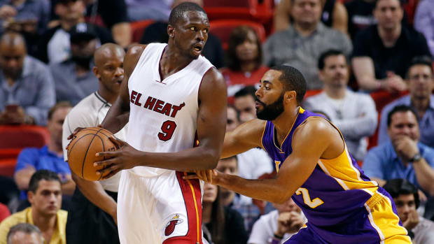 luol-deng-opts-in-contract.jpg