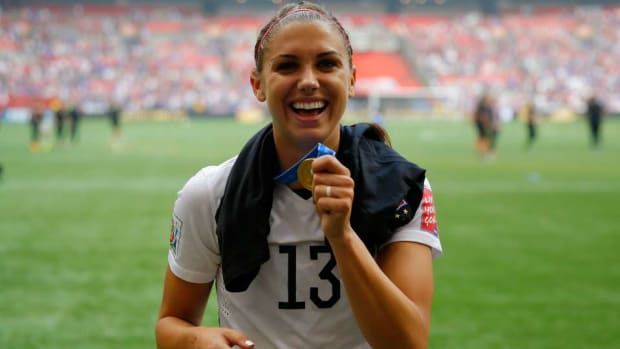 Fifa-16-cover-alex-morgan.jpg
