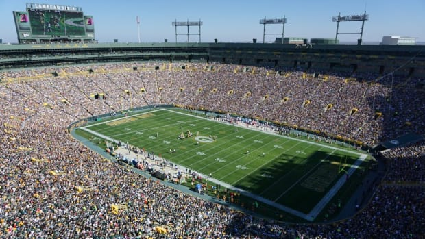 packers-fan-sewer-ticket-video.jpg