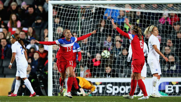 alex-morgan-goal-england