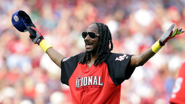 pete-rose-hall-of-fame-snoop-dogg-video.jpg
