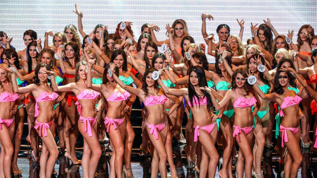 2015-0112-Russian-models-beauty-contest.jpg