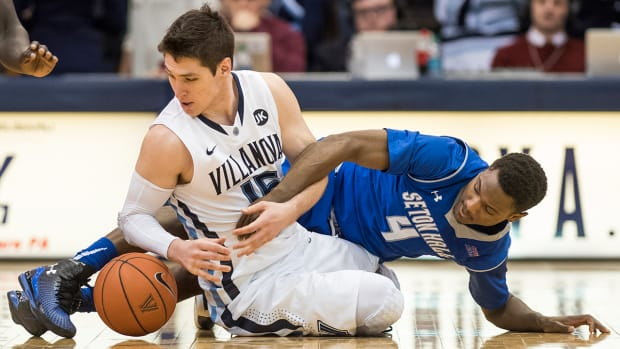 Seton Hall player ejected for cheap shot IMAGE