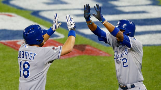 Royals-Jays-Game-4-ALCS-Three-Thoughts.jpg
