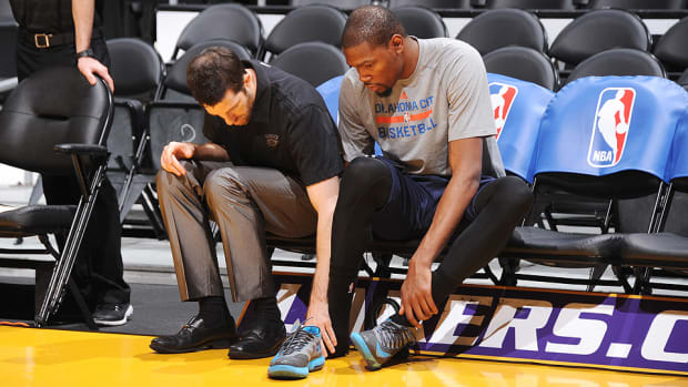 Kevin Durant Thunder 960 bench