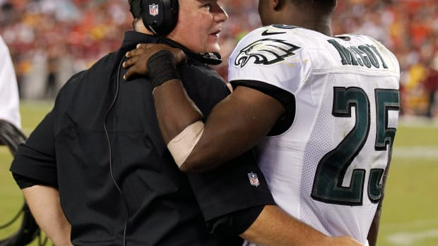bills_lesean_mccoy_eagles_chip_kelly_stars.jpg