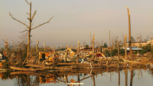 tuscaloosa-tornado-leead.jpg