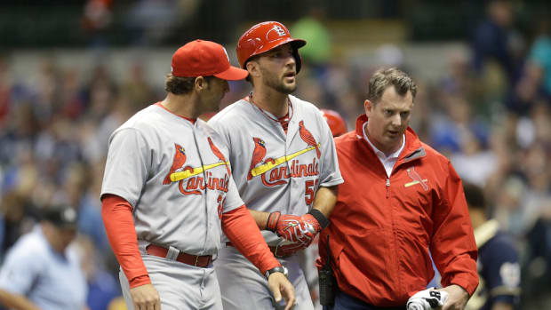 adam-wainwright-injury-st-louis-cardinals.jpg