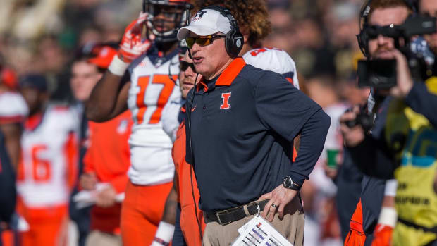 illinois-football-head-coach-bill-cubit.jpg