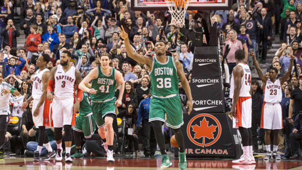 marcus-smart-buzzer-beater-celtics-raptors.jpg