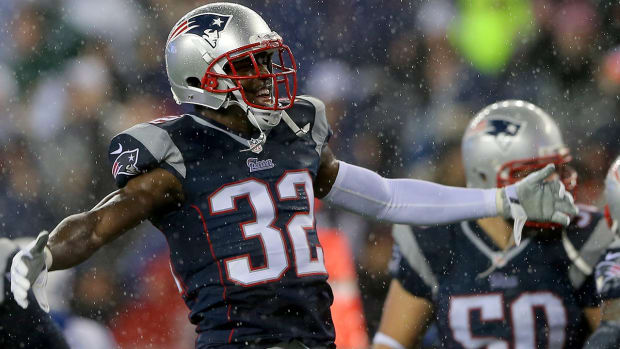 Patriots to re-sign Devin McCourty IMAGE