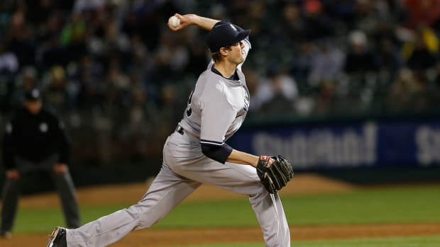 Yankees place closer Andrew Miller (forearm) on 15-day DL IMAGE