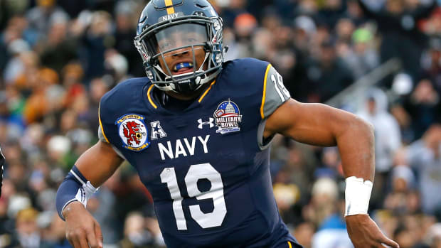keenan-reynolds-navy-rushing-touchdowns-record.jpg