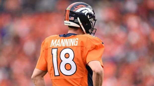 On the Numbers: Peyton Manning's record-setting day - IMAGE