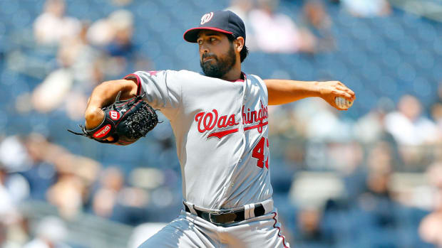 gio-gonzalez-beard-washington-nationals.jpg