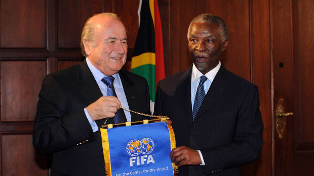 Report: FIFA email links Sepp Blatter to $10M payment IMAGE