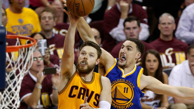 Matthew Dellavedova hospitalized after Game 3 of NBA Finals