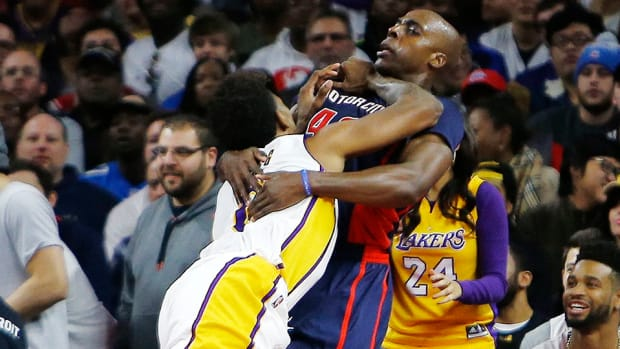 lakers-pistons-nick-young-ejected-anthony-tolliver-video.jpg