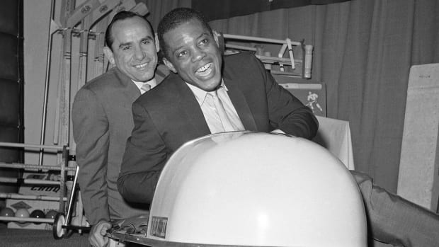 Yogi Berra, Willie Mays to receive Presidential Medal of Freedom