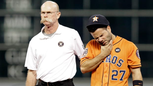 jose-altuve-injury-news-houston-astros-wild-card.jpg