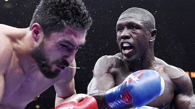 Report: Floyd Mayweather to fight Andre Berto on Sept. 12--IMAGE