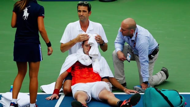 Jack Sock faints during U.S. Open match, forced to retire--IMAGE