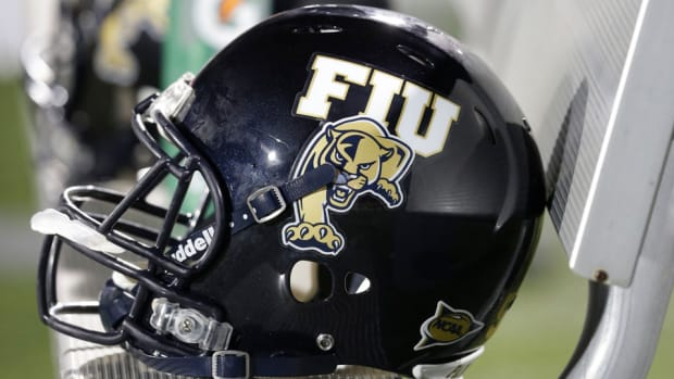 fiu-football-ron-cooper.jpg