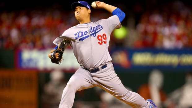 Hyun-Jin Ryu to begin season on disabled list IMAGE